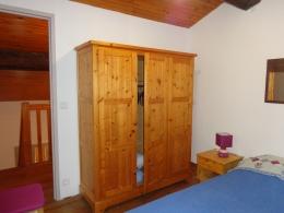 GÎTE N° 2 : Mezzanine chambre fermée, 1 lit double.